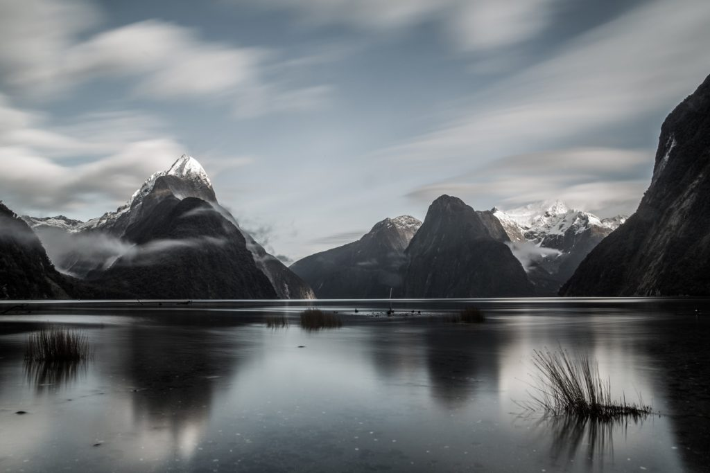 Long-exposure-Milford-Sounds-New-Zealand