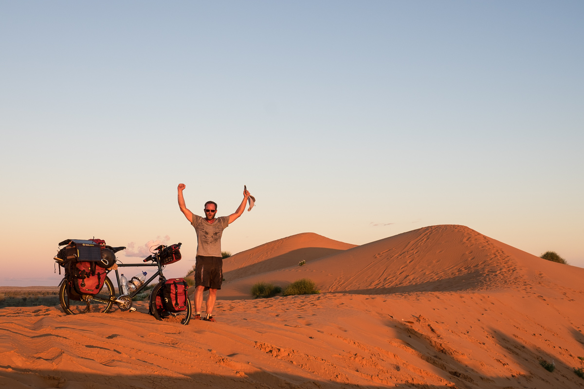 Made it on time for the sunset on Big Red, the biggest sand dune of the Simpson Desert
